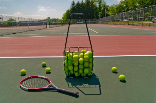 Tennis 2 U